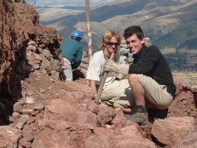 Volunteers on the Incan & Wari Archaeology in Peru Project take a break from digging to find ancient artifacts.