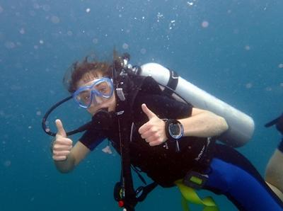 A Projects Abroad Diving & Marine Conservation volunteer during a dive in Cambodia.