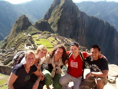 Volunteers travel to Machi Picchu during their volunteer projects in the Sacred Valley of Peru