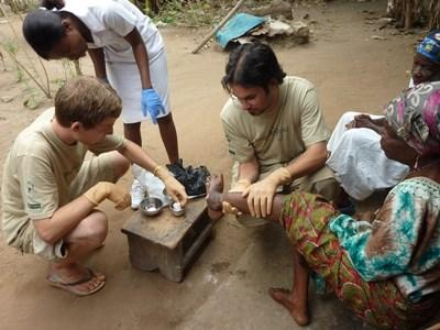 Stage initiation soins infirmiers Afrique Noire