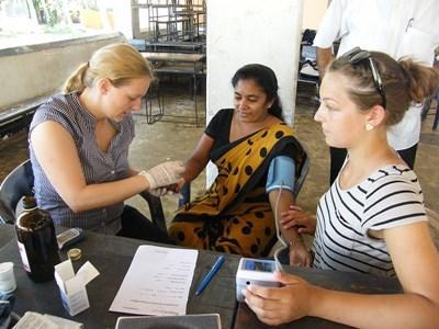 Volontaires sages-femmes au Sri Lanka
