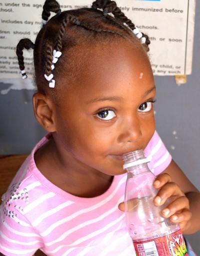Une petite fille dans le cadre de notre projet en santé publique