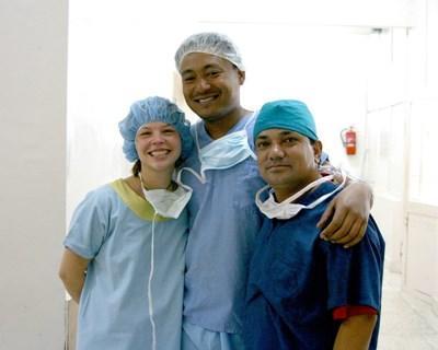 Stagiaires en dentisterie au Népal