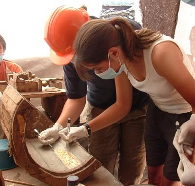 Archéologues professionnels en mission humanitaire