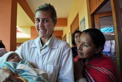Sage-femme humanitaire au Pérou