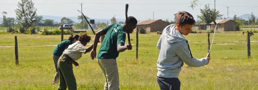 Des volontaires en mission d'écovolontariat lors des vacances de Pâques
