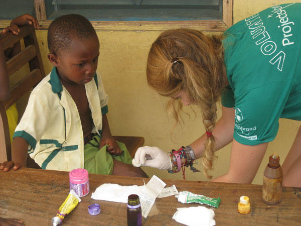 Top 5 Reasons to Intern Abroad in Medicine