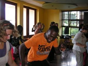 Projects Abroad volunteers in Jamaica teach local children music and dance