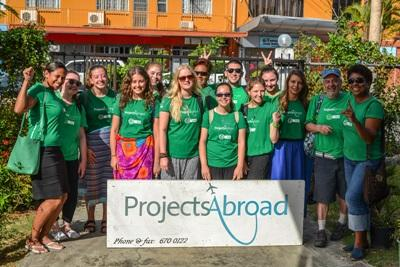 Projects Abroad volunteers and staff take a photo together before heading out to participate in a Community Day in Fiji