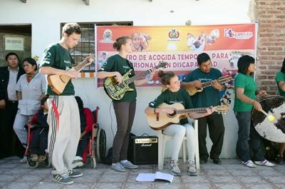 Projects Abroad Music volunteers play their instruments in South America