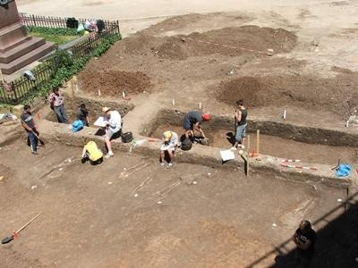 Projects Abroad volunteers work at an archaeological site in Romania as part of the Classical & Medieval Archaeology Project.