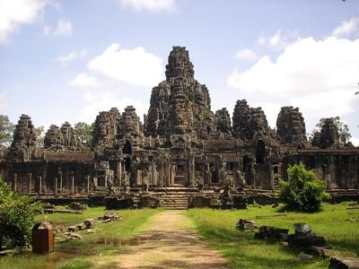 Projects Abroad volunteers explore the ancient Angkor Wat temple in Cambodia, Asia.