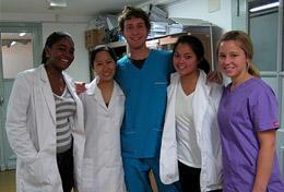 Volunteers on the Argentina High School Special Medicine & Spanish Project with their supervisors.