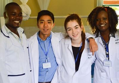 Projects Abroad Medicine High School Special volunteers spend time with local doctors in Nanyuki, Kenya.