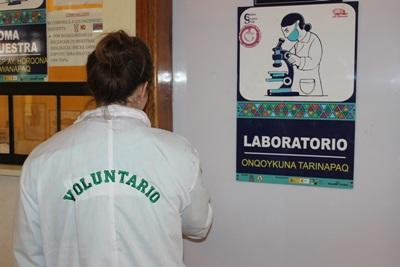 A Projects Abroad medical intern prepares to observe hospital staff work in a laboratory in Peru.