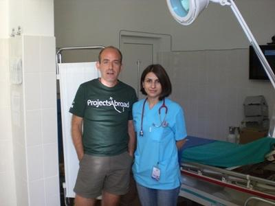 A Projects Abroad volunteer visists local hospital staff in Romania.