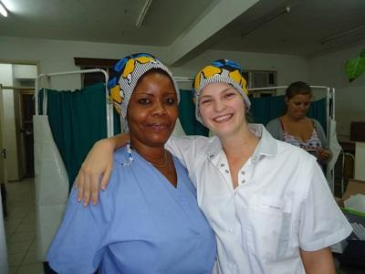 A Projects Abroad intern with a local nurse at a hospital in Tanzania.