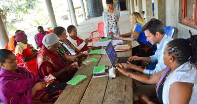 Local business owners in Tanzania receive advice from Projects Abroad Microfinance interns.