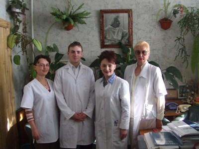 A group of professional occupational therapists volunteer together with Projects Abroad in Romania.
