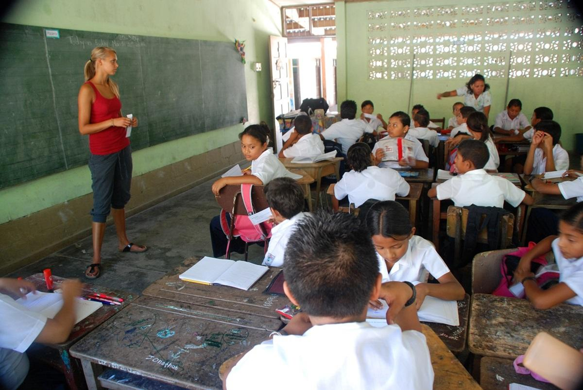 teach abroad as a volunteer projects abroad