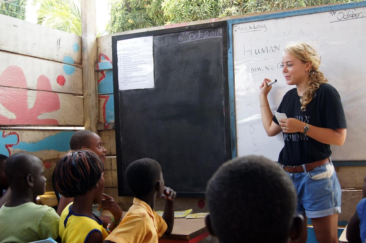 Teach Abroad as a Volunteer | Projects Abroad