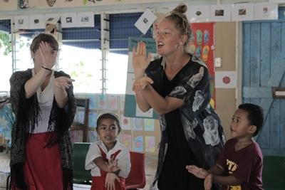 Projects Abroad Teaching volunteers play games with young students at their school in Apia, Samoa